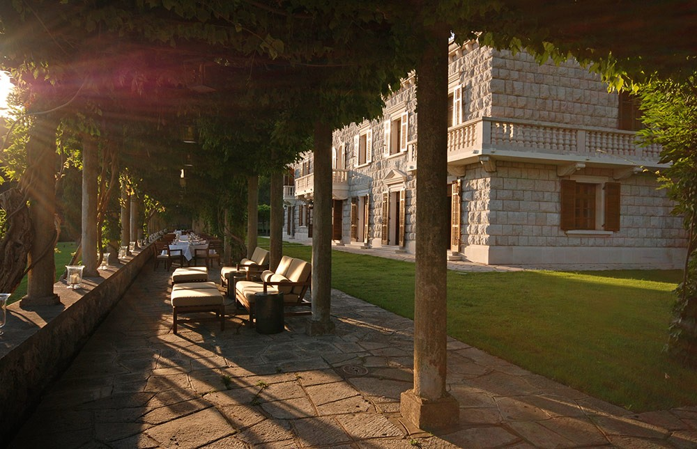 garden terrace hotel restaurant tourism professional